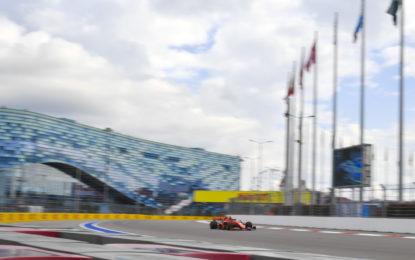 In Russia duello Ferrari-Mercedes anche per strategia