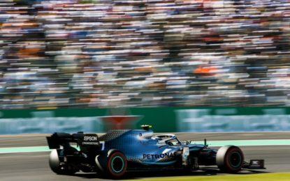 Giappone: Bottas vince davanti a Vettel e Hamilton. Mercedes campione