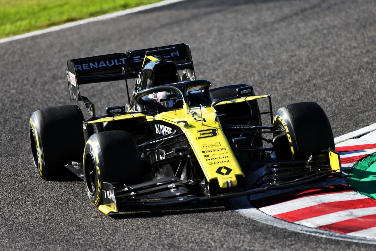Su Renault la pesante accusa di correre con macchine illegali