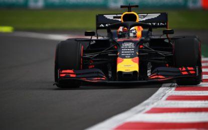 Messico: pole di Verstappen davanti alle Ferrari. Grande paura per Bottas