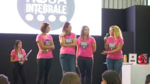 ragazze calendario rosa integrale