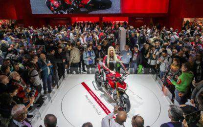 """EICMA: Ducati Streetfighter V4 """"Moto più bella del Salone"""""""