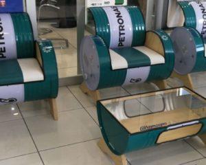 La seconda vita dei fusti Petronas: ecologia e design