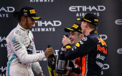 """Verstappen: """"Se fossi sulla Mercedes sarei meno aggressivo"""""""