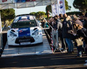 Bottas sale su una Citroen DS3 WRC e vince il suo primo rally!