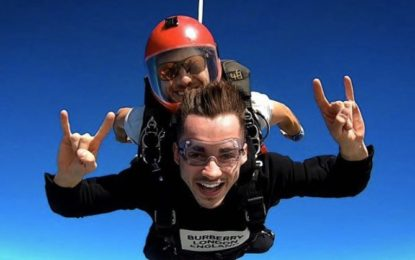 Leclerc fa skydiving e alla Ferrari la cosa non è piaciuta