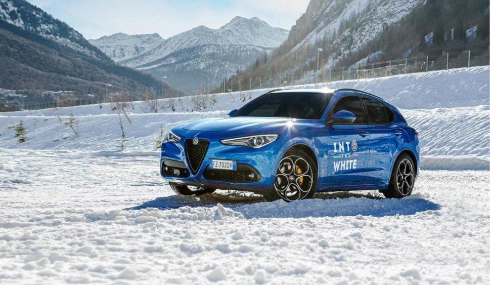 """Alfa Romeo """"Into The White"""" a Courmayeur"""