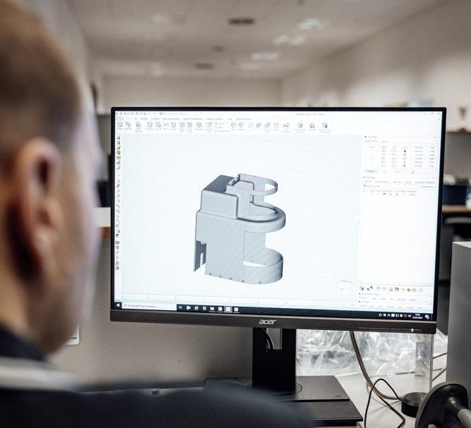 Covid-19: Mercedes-Benz per la produzione di apparecchiature mediche