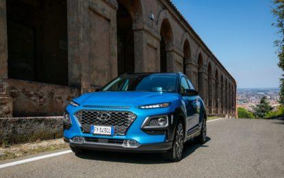 Le Iene ripartono con Hyundai Nuova Kona Hybrid e Tucson