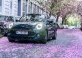 Nuova MINI Cabrio Sidewalk: colori di primavera