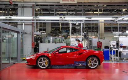 Ferrari: dopo la chiusura, i primi modelli pronti per la consegna
