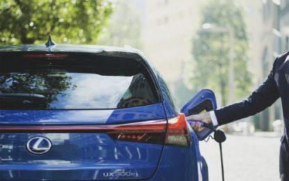 Lexus UX 300e: garanzia di 10 anni sulle batterie
