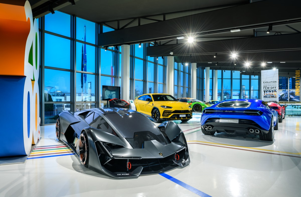 Il Museo Lamborghini riapre al pubblico. Esposta anche la Sián Roadster