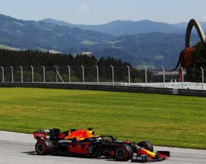Verstappen davanti a Bottas e Perez nel venerdì in Stiria