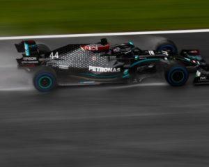 Stiria: qualifiche bagnate e vero show, con Hamilton in pole