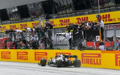 Stiria: Hamilton, Bottas, Verstappen. Ferrari fuori al primo giro