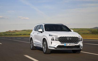 Hyundai Santa Fe: i nuovi propulsori elettrificati