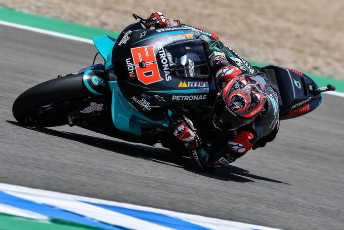 In Jarez in the Spanish GP the first pole position of the 2020 MotoGP championship goes to Fabio Quartararo (Team Petronas SRT). In the front row with