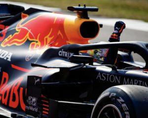 Verstappen davanti alle Mercedes nel GP dei 70 anni della F1. Quarto Leclerc