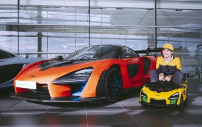 "Lando Norris tester fuori misura per la McLaren Senna ""Ride-On"""