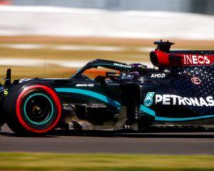 #F170: Mercedes anche nelle seconde libere e Ricciardo. Vettel motore KO