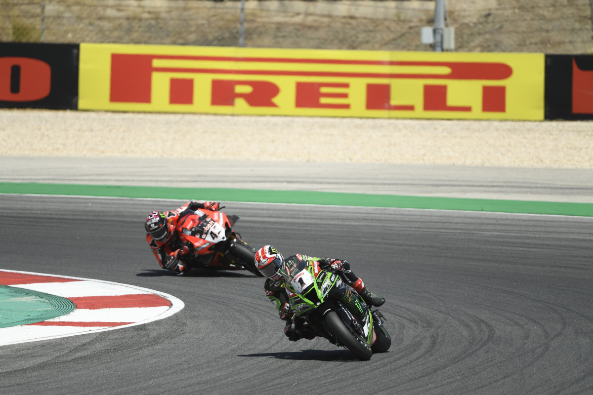 WorldSBK: tripletta di Rea a Portimano. Locatelli vince in WorldSSP