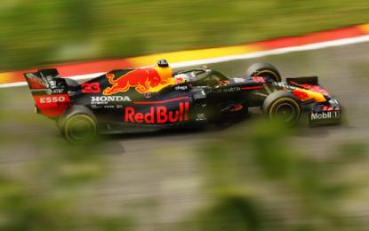 Verstappen, Ricciardo e Hamilton nel venerdì in Belgio. Ferrari 15° e 17°