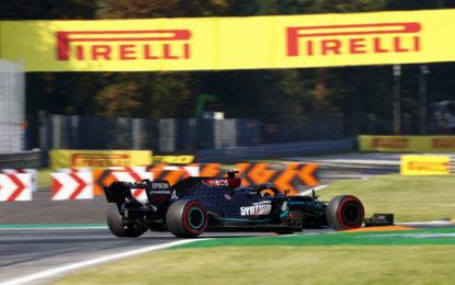 Mercedes detta il passo nel venerdì di Monza