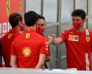 Vettel e Leclerc consapevoli delle difficoltà a Sochi, ma non mollano