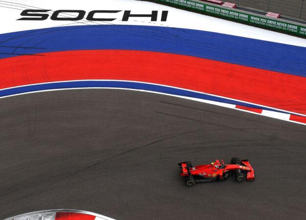 Qualifiche negative a Sochi per la Ferrari. Che promette più chiarezza con Leclerc