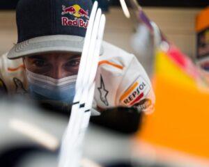 Marc Marquez torna nel paddock della MotoGP