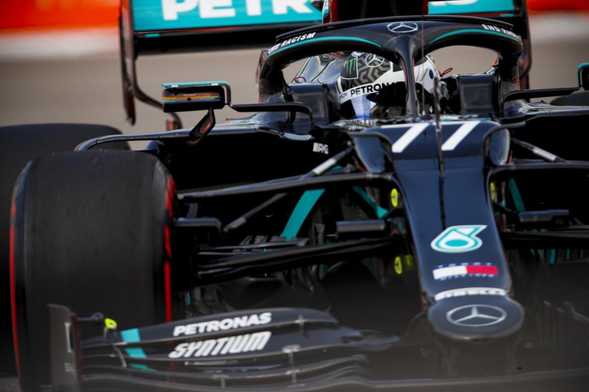 In Russia Bottas vince davanti a Verstappen e al due volte penalizzato Hamilton