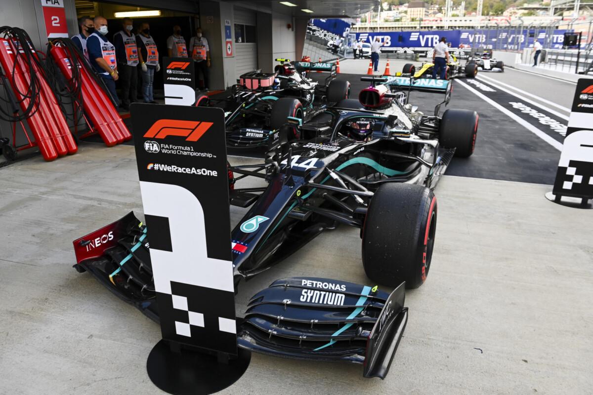 Russia: nessuna penalità per Hamilton. Pole confermata