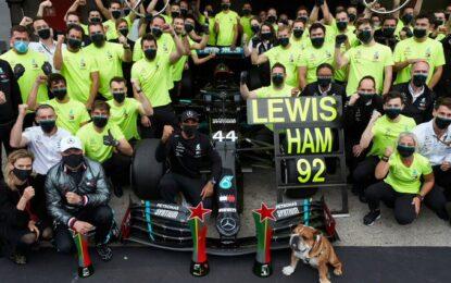 Il record di Hamilton continua a far discutere. Merito suo o della Mercedes?