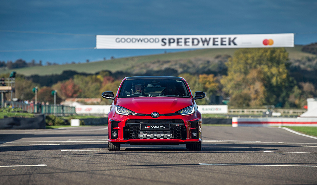 Debutto in pista al Goodwood Speedweek per Toyota GR Yaris