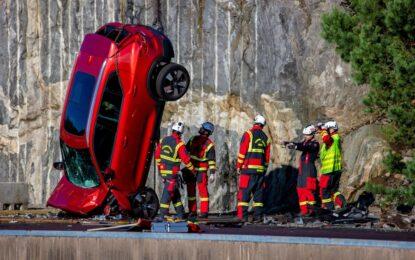 Volvo Cars: un crash test impressionante nel nome della sicurezza