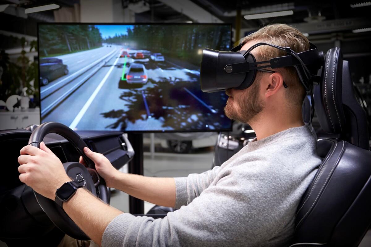 """Volvo Cars: il """"simulatore di guida definitivo"""" per auto più sicure"""