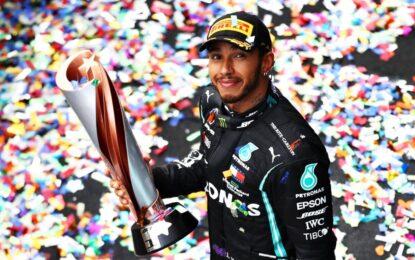"""Hamilton: """"Non rinunciate mai ai sogni"""""""