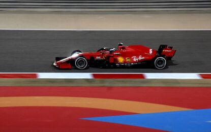 Amarezza per la Ferrari a Sakhir. E penalità per Leclerc