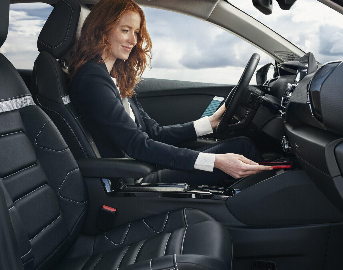 Nuova Citroën C4 e Nuova Citroën ë-C4: connettività e comfort