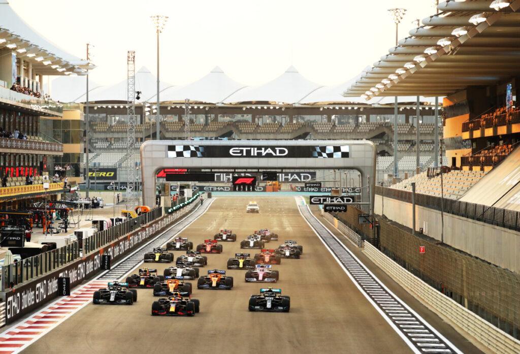 start abu Max Verstappen, Lewis Hamilton, Valtteri Bottas