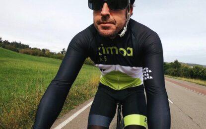 Alonso investito mentre si allenava in bicicletta