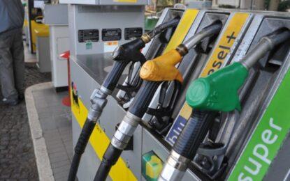 Benzina: secondo i dati Mise, i prezzi risalgono ancora