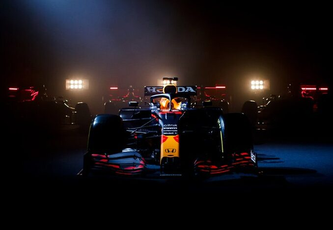 La Red Bull Racing mostra la RB16B