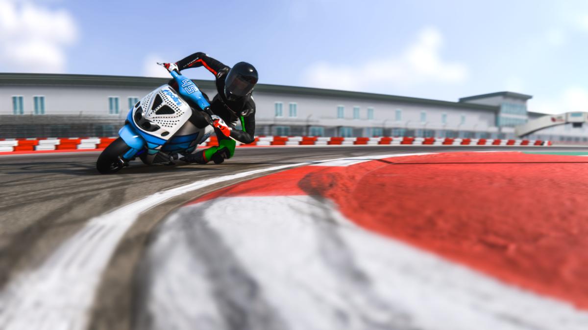 TrackDayR: un videogame con scooter Polini