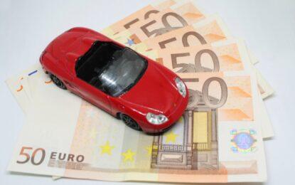 Come risparmiare sull'assicurazione auto in tre mosse