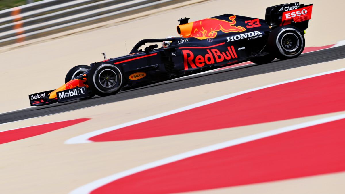 Verstappen leader nel primo giorno di test. Problemi per la Mercedes