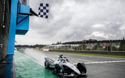 Formula E: Nyck de Vries vince il round 5 a Valencia