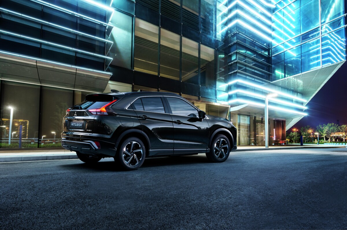 Eclipse Cross PHEV: il nuovo SUV Coupé ibrido plug-in