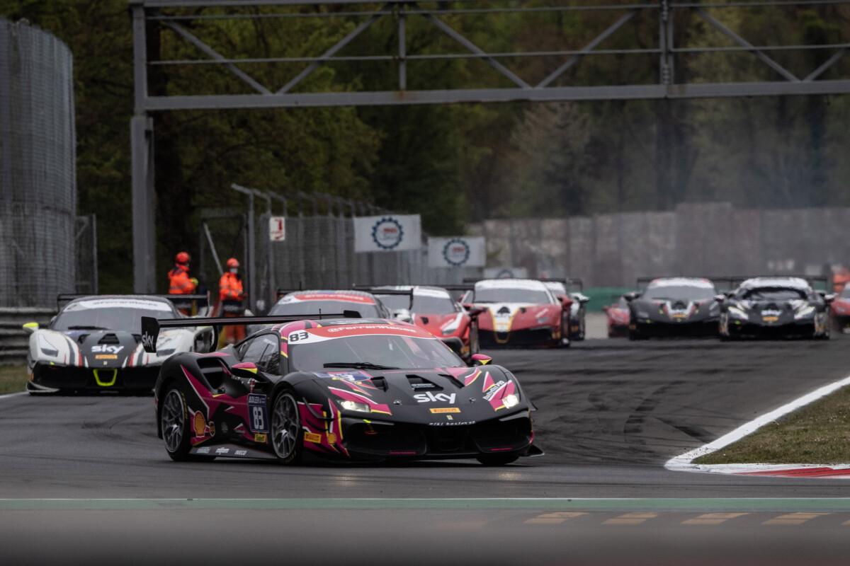 Ferrari Challenge: a Monza prime vittorie per Gatting e Weiland